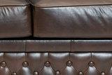 Chesterfield Sofa First Class Leder | 2-Sitzer | Cloudy Braun Dark | 12 Jahre Garantie_